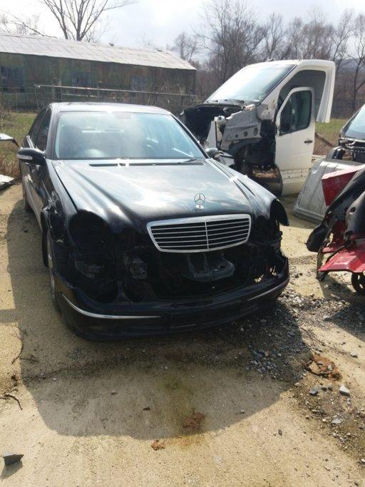 Dezmembrez Mercedes E-Class 3,0 CDI