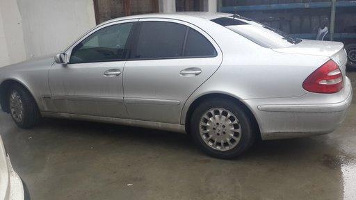 Dezmembrez Mercedes E class 320 cdi 2005