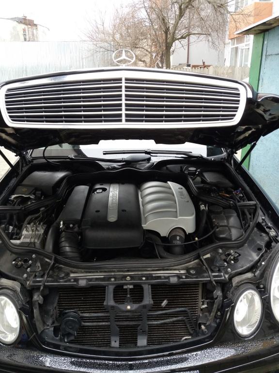 Dezmembrez Mercedes E-CLASS W211 2002 berlina 2.2