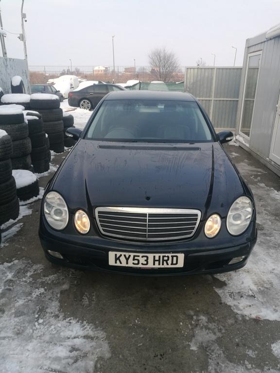 Dezmembrez Mercedes E-CLASS W211 2004 E270 CD