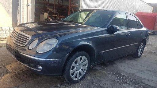 Dezmembrez Mercedes E-CLASS W211 2004 limusina 2.7
