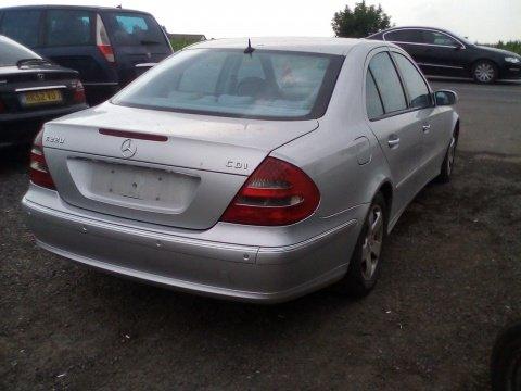 Dezmembrez Mercedes E-CLASS W211 2005 Limuzina 2.2 Diesel