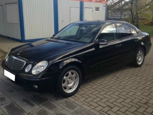 Dezmembrez Mercedes E-Class W211 E220 CDI an fab 2005