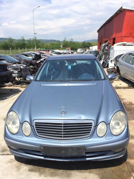 Dezmembrez Mercedes E-classe E220 CDI w211