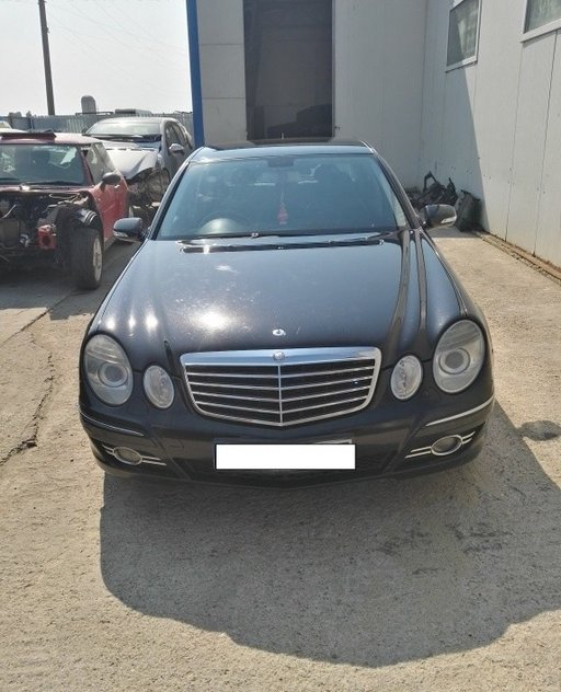 Dezmembrez Mercedes E220 CDI W211 facelift