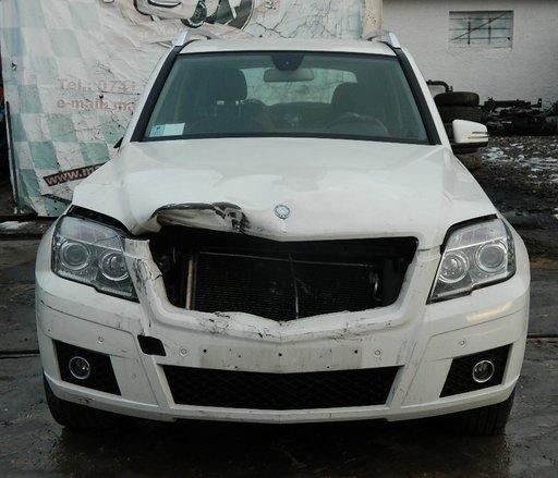 Dezmembrez Mercedes GLK din 2011