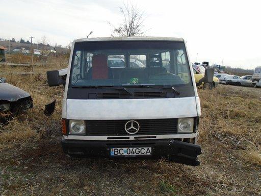 Dezmembrez Mercedes MB 100 1989