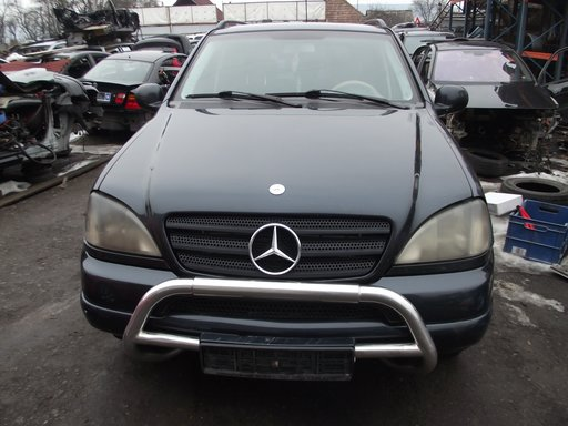 Dezmembrez Mercedes ML 270 CDI W163