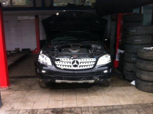 Dezmembrez Mercedes ml 3.0 cdi 2008