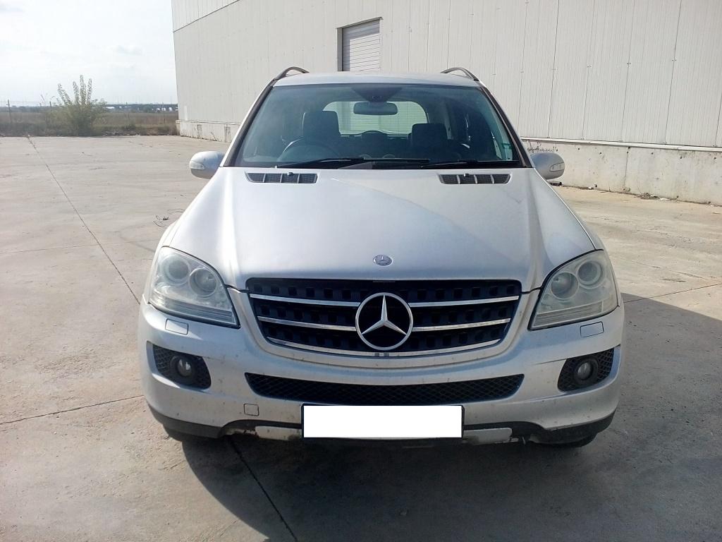 Dezmembrez Mercedes ML W164 3.0 tdi