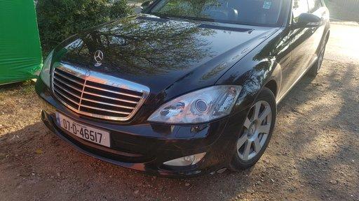 Dezmembrez Mercedes S 320 W221