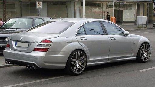 Dezmembrez Mercedes S class W221