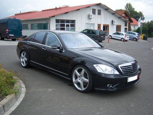 Dezmembrez Mercedes S320 cdi w221
