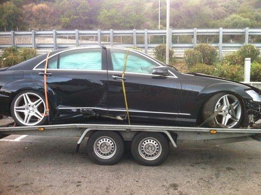 Dezmembrez Mercedes S320 w221 cdi an 2013