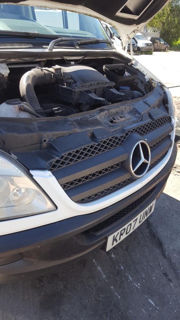 Dezmembrez Mercedes SPRINTER 2008 duba 2.2 cdi