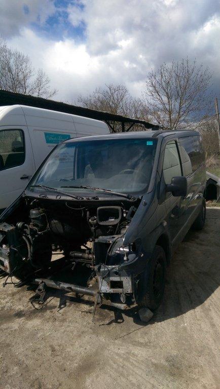 Dezmembrez Mercedes VITO 2001 2.2CDI
