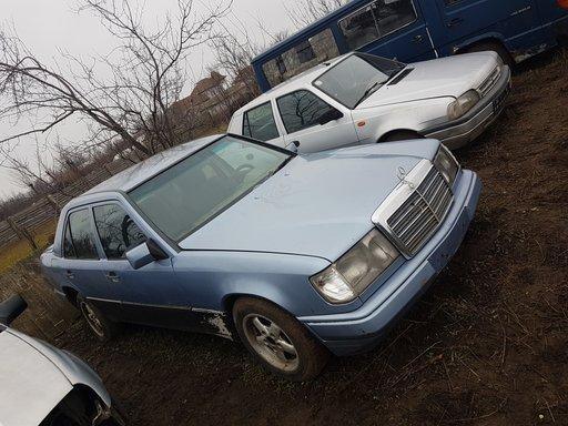 Dezmembrez Mercedes w124 E230 1991