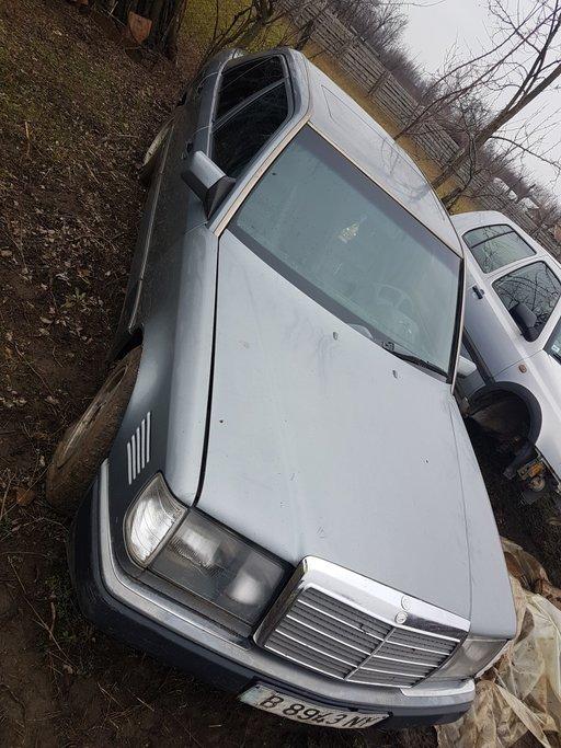 Dezmembrez Mercedes w124 E250 1993