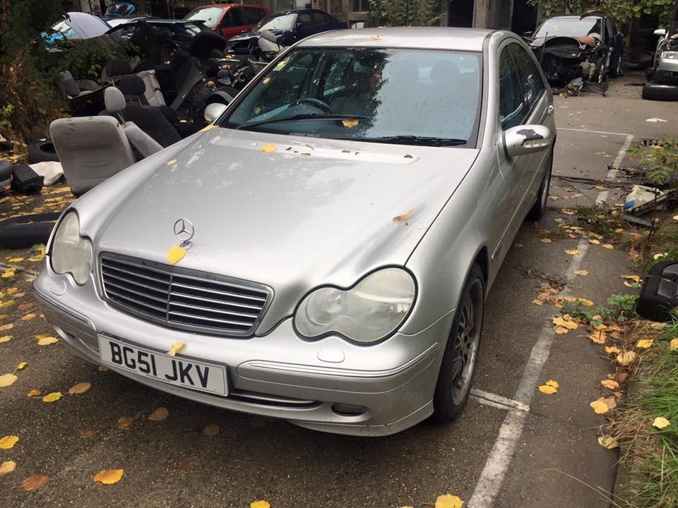 Dezmembrez Mercedes w203 C320 Avantgarde 3.2 an fabricatie 2002
