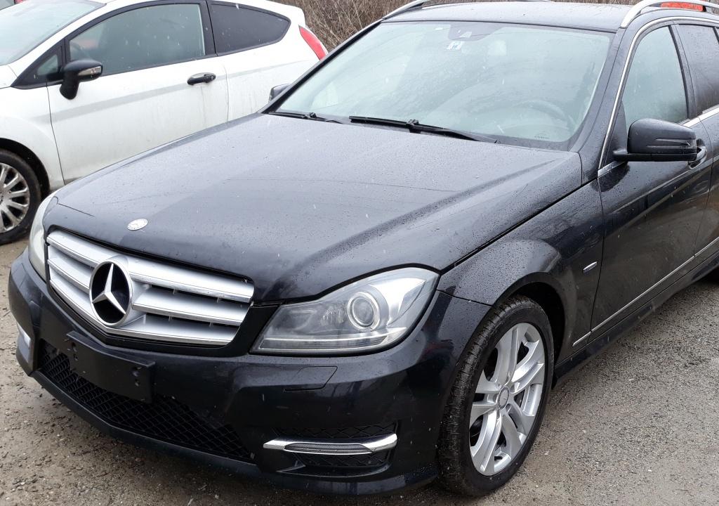 Dezmembrez Mercedes w204 facelift 2011