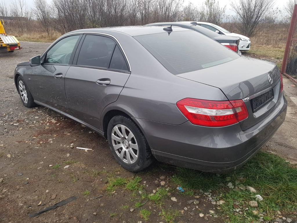 Dezmembrez Mercedes W212 - E200 CDI