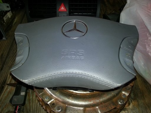 Dezmembrez mercedes w220 S classe 2001 5.0 benzina