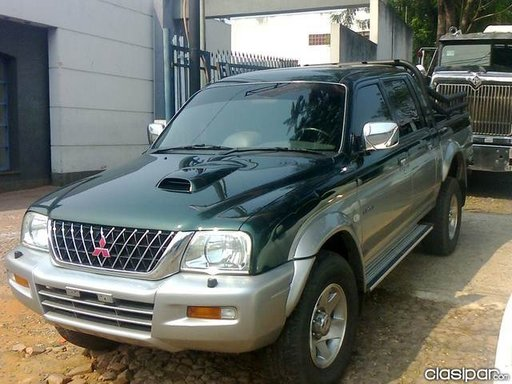 Dezmembrez Mitsubishi L 200 2,5 tdi 2004