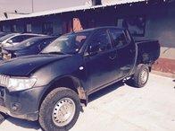Dezmembrez Mitsubishi L200 2.5 diesel din 2011 euro 5 cutie manuala