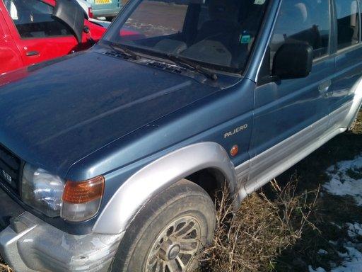 Dezmembrez Mitsubishi Pajero 3.0 V6,1998