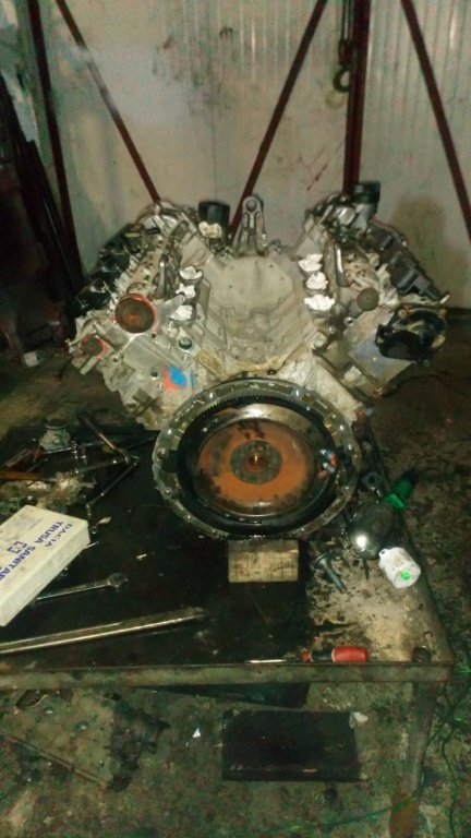 Dezmembrez Motor Mercedes 3500 benzina