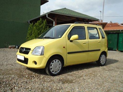 Dezmembrez Opel Agila 1.2 b 2004