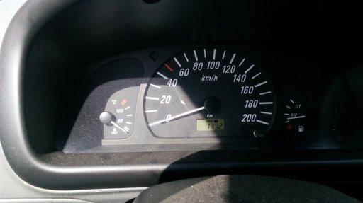 Dezmembrez Opel Agila 2001 1.0 benzina tip motor Z