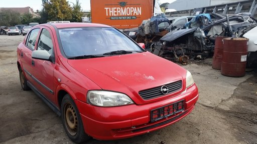 Dezmembrez Opel Astra 1,6 16v an 2001 stare foarte