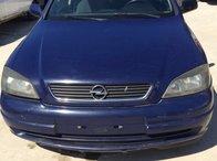 Dezmembrez Opel Astra Caravan 2.0 DTI an 2004