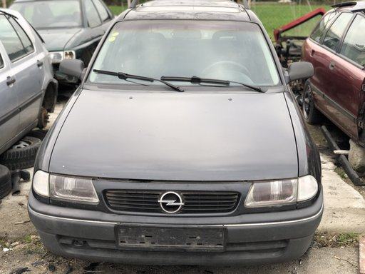 Dezmembrez Opel Astra F 1.6i X16SZ