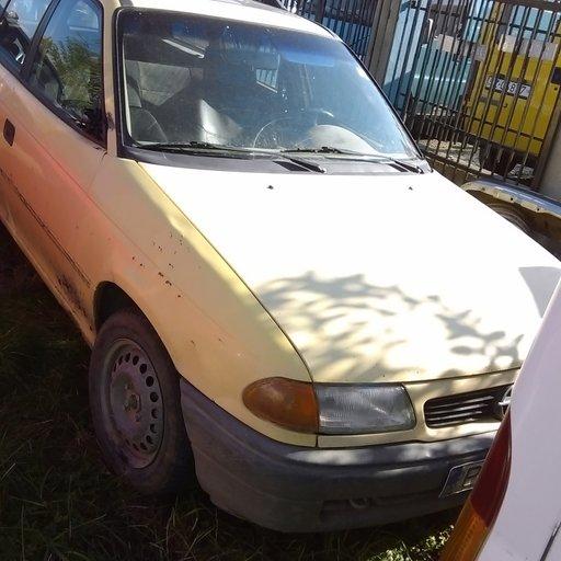 Dezmembrez Opel Astra F , 1995, 1,6 , 16V