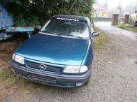 Dezmembrez Opel Astra F an 1992-1998