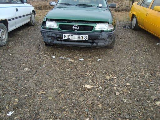Dezmembrez Opel Astra F din 1996 1.7 isuzu