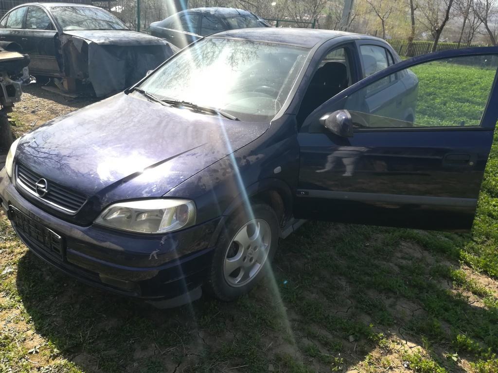 Dezmembrez Opel Astra G 1.4benzina