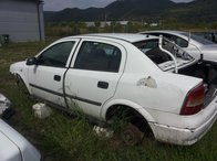 Dezmembrez Opel Astra G 1.6 16v