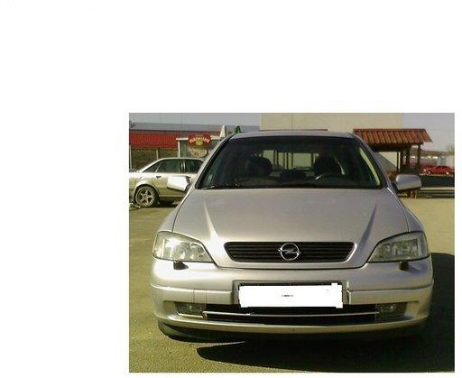 Dezmembrez Opel Astra G 1.6 benzina an 2002