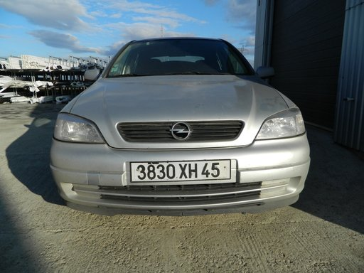 Dezmembrez Opel Astra G 2.0
