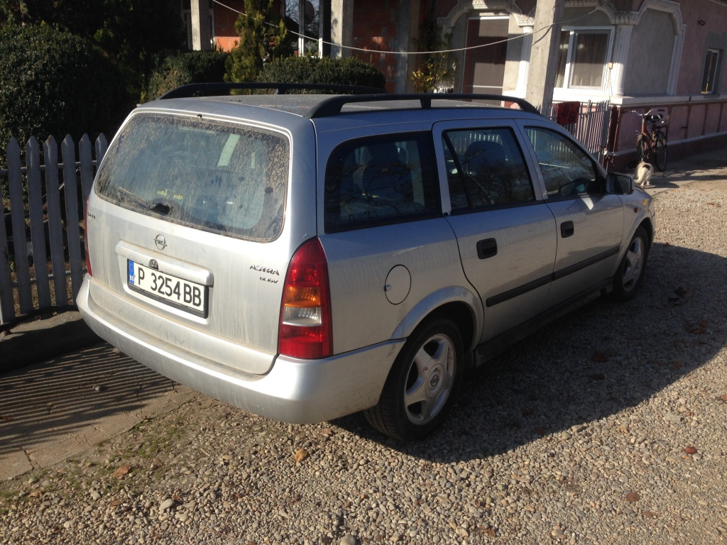 Dezmembrez Opel Astra G 2.0d