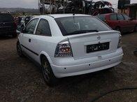 Dezmembrez Opel Astra G 2001
