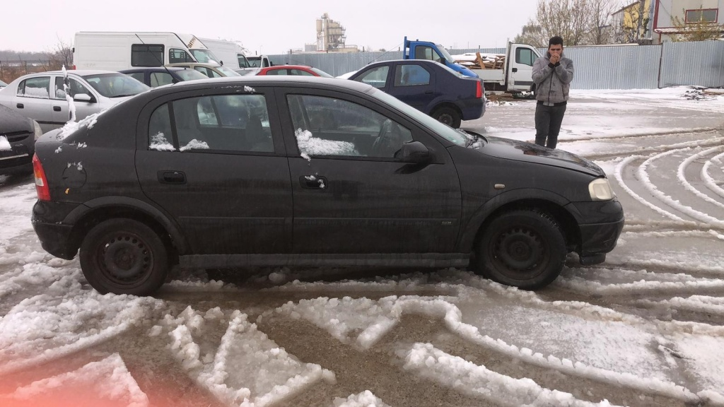 Dezmembrez Opel Astra G 2002 hatchback 1.6