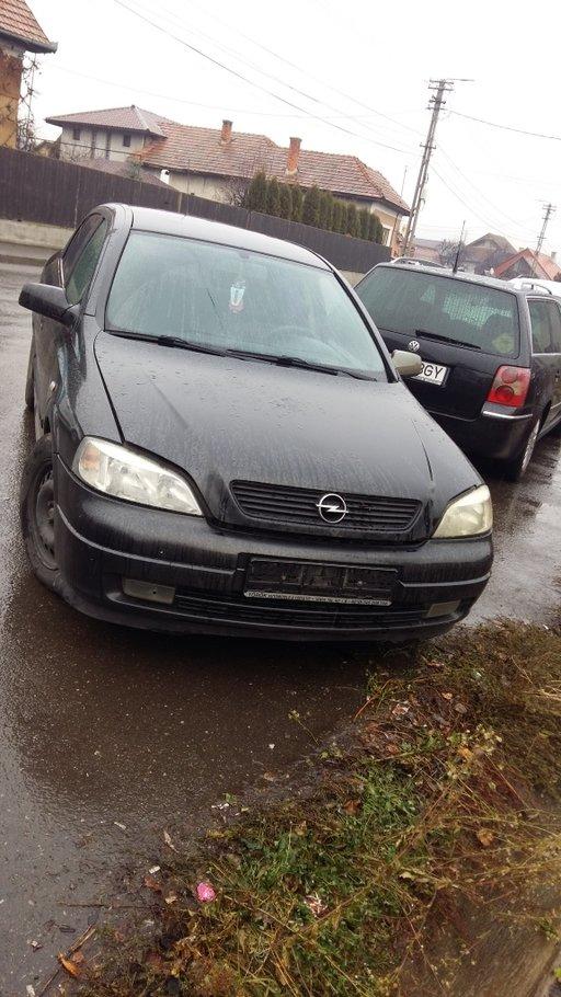Dezmembrez Opel Astra G an 2001 motor 2.0 DTI