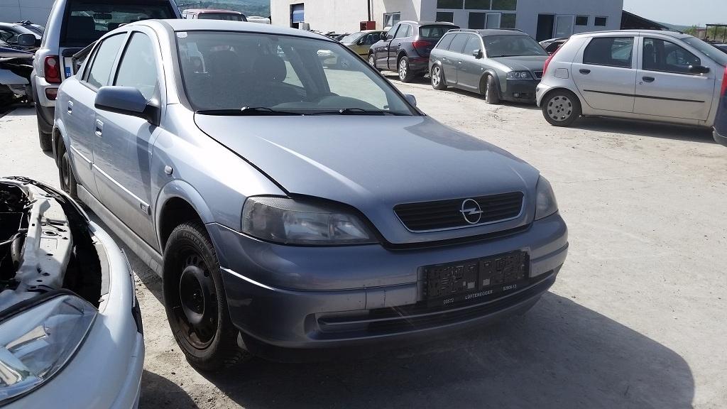 Dezmembrez Opel Astra G, an 2003, 1.7 diesel