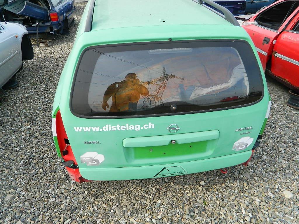 Dezmembrez Opel Astra G caravan 2.0 din 2002