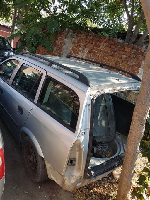 Dezmembrez Opel astra g caravan 2.0 dti 2001