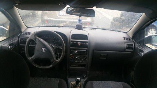 Dezmembrez Opel Astra G din 2001 ,1.7 diesel varianta hatchback